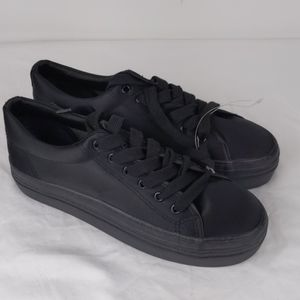 New- Rocket Dog Black lace up sneakers